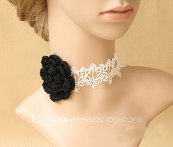 White Collar Short Affixed Neck Wool Flower Necklace